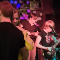 Концерт в баре/ Танцующая пара и группа Горизонт Выше :: Tanya Datskaya