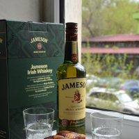 Уютное кресло, клетчатый плед и стакан с виски... :: Anna Gornostayeva