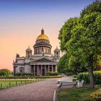 Большой собор в большом городе :: Юлия Батурина