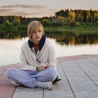 Тинейджер у монастырского пруда :: Ирина Климова