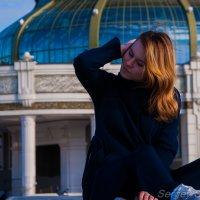 Девушка на мосту :: Sergey S