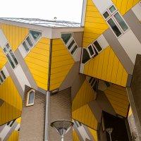 Кубические дома крупным планом :: Witalij Loewin