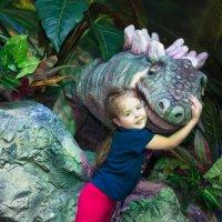 Мой любимый динозавр :: Элеонора Флаум