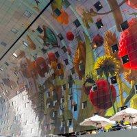 Расписанные стены крытого рынка :: Witalij Loewin