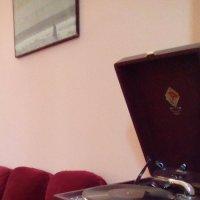 Старый патефон из музея Анны Ахматовой. :: Светлана Калмыкова