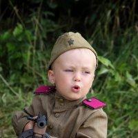 Играют мальчики в войну :: Надежда Сафронова
