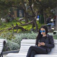 Незнакомка на скамейке :: M Marikfoto