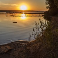 Тёплый летний закат :: Юрий Клишин