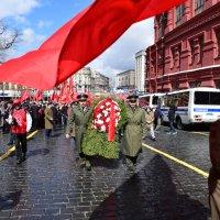Начало шествия 22 апреля :: Вячеслав Богомолов