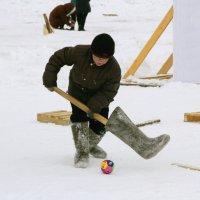 Мороз хоккею не помеха. :: Николай Карандашев