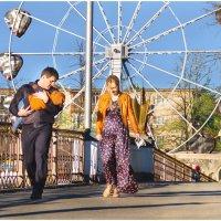 Счастливые родители и Утомлённый впечатлениями. :: Олег Стасенко