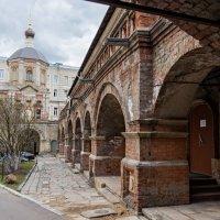 Высоко-Петровский монастырь. :: Сергей Басов