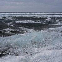 Байкальский лёд в середине апреля... :: Александр Попов