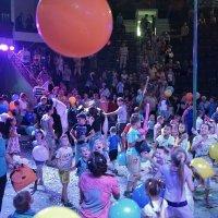 Красный шарик в цирке :: Валентина Налетова