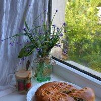 Друзья, присоединяйтесь! Пирог замечательный! :: Anna Gornostayeva