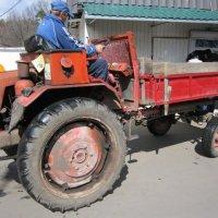 Трактор с кузовом :: Дмитрий Никитин