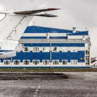 Апрельский шквальный град :: Валерий Смирнов