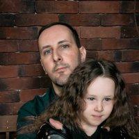 Отец и дочь. Под защитой :: Ирина Вайнбранд
