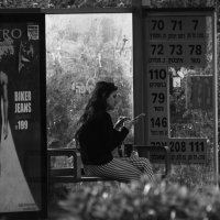 Автобусная остановка :: Николай Волков