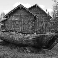 Лодка-долблёнка. :: Ирина Нафаня