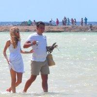 Молодость, красота и пляж :: Виталий К