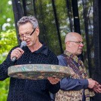 Кто хочет поиграть на этом инструменте? :: Aivaras Troščenka