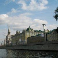 По Москва-реке. :: Larisa