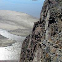 Природа...скалы и весна... :: Любовь Иванова