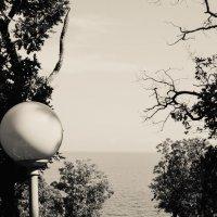 фонарь и ...море :: Андрей Баканов