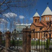 Армянская церковь в Кирове :: Юрий Митенёв