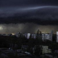 Облака перед бурей в Липецке :: Илья Пчельников