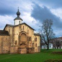 Церковь Параскевы Пятницы в Великом Новгороде (1207 год) :: Арина Зотова