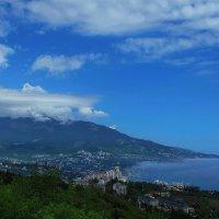 Ялта и облака :: M Marikfoto