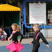 В ритме танца... :: Vladimir 070549