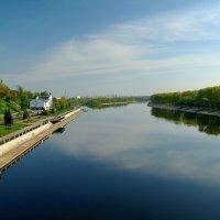 Первомайское утро,вид с моста... :: Юрий Анипов