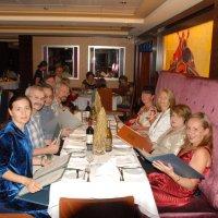 В ресторане круизного лайнера. Стройные ряды нарядных людей. :: Владимир Смольников