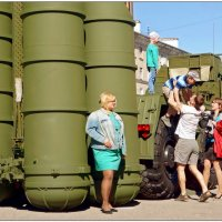 Девушка с ракетами... :: Кай-8 (Ярослав) Забелин