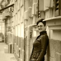 есть женщины, которые ножками умеют делать глазки :: Алексей Романенко