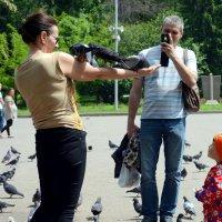 Фото с голубями :: Асылбек Айманов