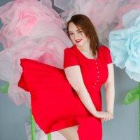 Lady in red :: Ирина Сапожникова