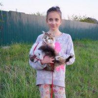 Девочка с котом :: Ростислав