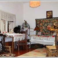 внутреннее убранство в доме переселенцев в 30 - 50-е  гг :: юрий