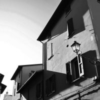 Тени и подворотни старого Кастелло :: M Marikfoto
