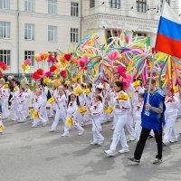 Первомай 2016 в Чебоксарах :: Валерий Шибаев