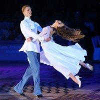 Танцуйте - и будьте счастливы!!!)))... :: Yuriy Konyzhev