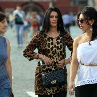три девицы :: Олег Лукьянов
