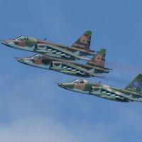 Групповой проход над аэродромом Су-25 :: Павел Myth Буканов
