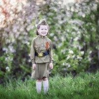 День Победы — это радость и боль, которые объединяют людей. :: Ксения Михотина
