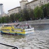 """""""Добрыня"""" на Москве-реке :: Дмитрий Никитин"""