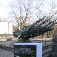 Лозунг ракет в День Победы: лучше износиться, чем заржаветь... :: Алекс Аро Аро